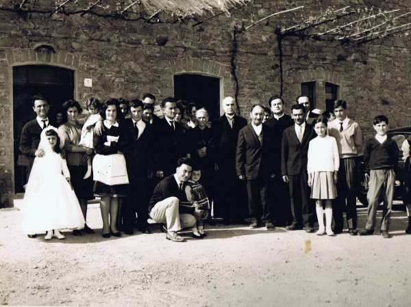 10th may 1965: historical photo of the family living in Casale Monticchio
