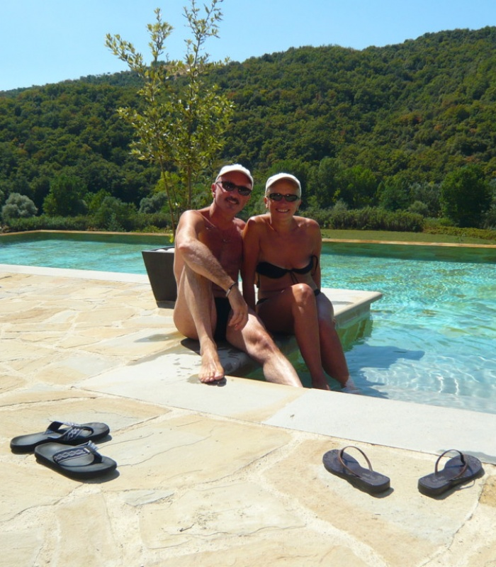 Our guests Eman and Sou are just chilling out in the pool!
