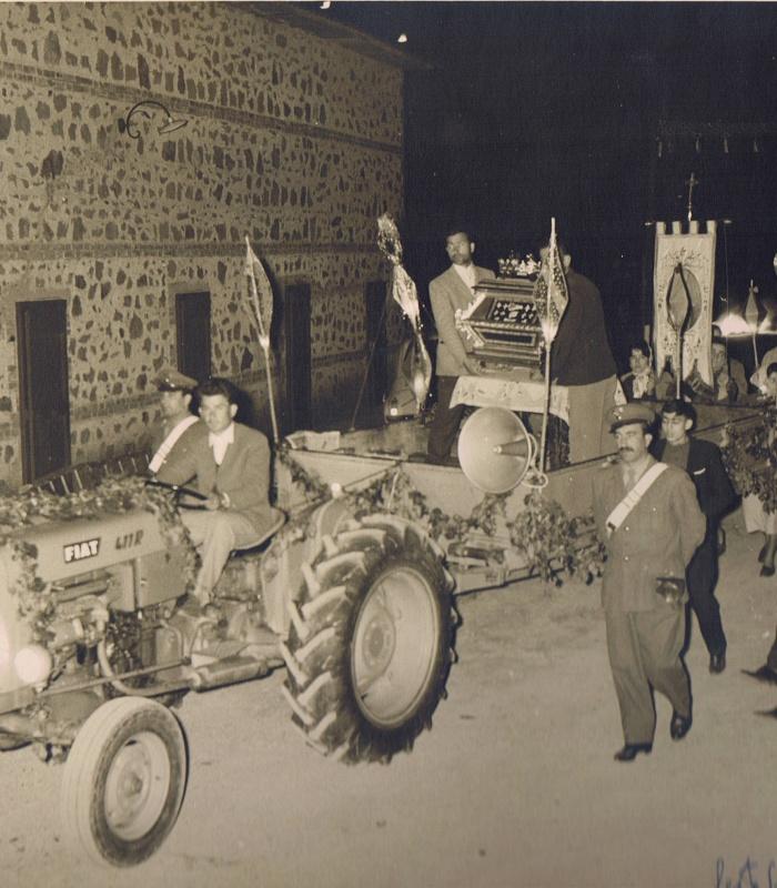 """The returning icon"" parade of 1965 in Monticchio"
