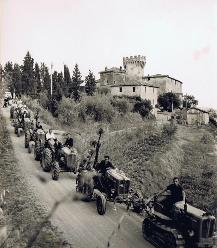 30 maggio 1964: donazione dei trattori
